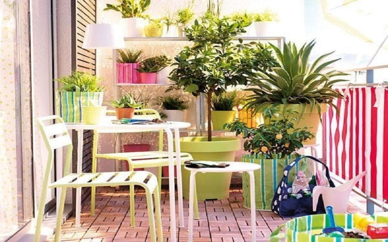 discover small balcony ideas