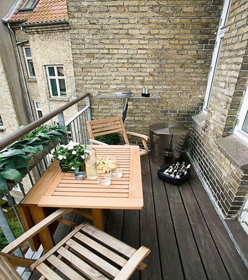a small balcony ideas