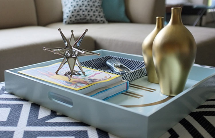 decorate coffee table