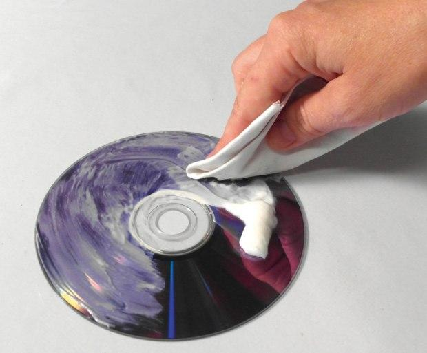 Remove deep scratches from CD